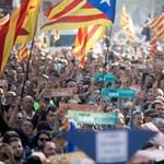 Zuhanni kezdett az euró a katalán függetlenség kikiáltása után