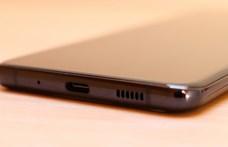 Kiveheti a Samsung a töltőket a jövőre érkező telefonok dobozából