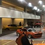 Kigyulladt egy Porsche a New York-i autószalonon - videó