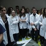 Folytatják az éhségsztrájkot a lengyel rezidensek