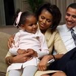 Az Obama-lányoknak tilos a tévézés