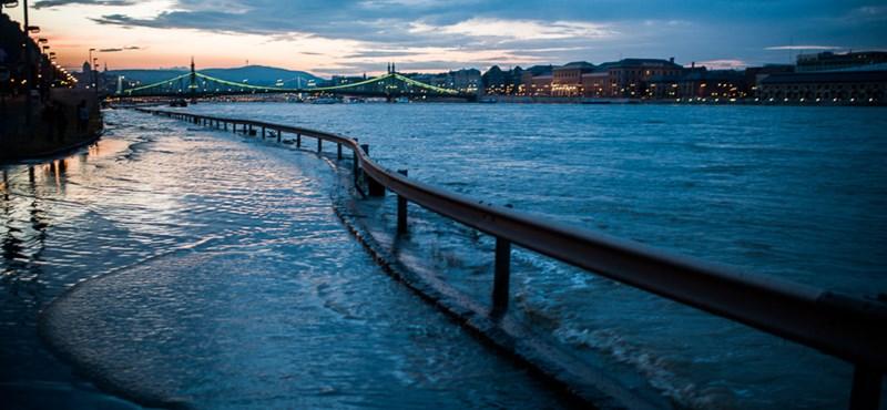 A vártnál is hatalmasabbra nő a Duna – árvízhelyzet percről percre