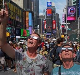 Amerika az égre meredt – Teljes napfogyatkozás az Egyesült Államokban