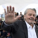 Petícióban tiltakoztak ellene, mégis életműdíjat kap Alain Delon