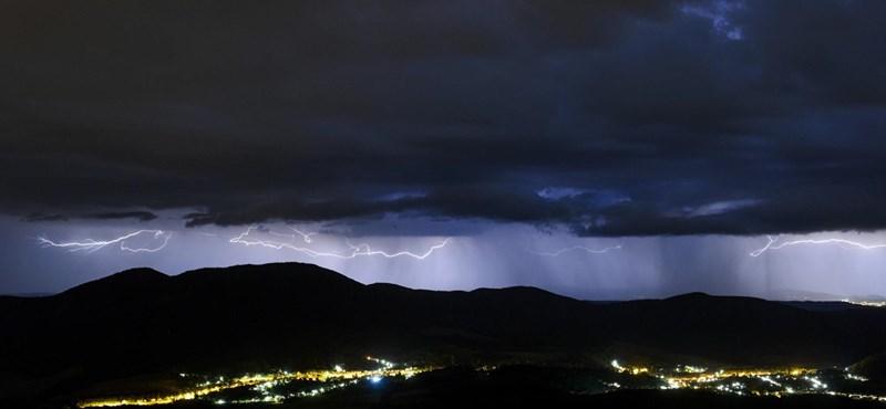 Festői villámokkal szórta meg az eget az éjjeli vihar