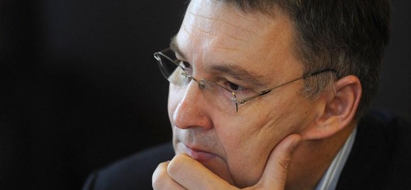 Felfüggesztették Juhász Ferenc mentelmi jogát