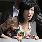 """Winehouse: """"A lányomnak lassú és fájdalmas halála volt"""""""