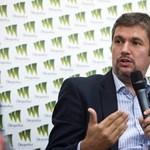 Hadházy: Olyan jól sikerült a hecckampány, hogy már a menekültek éheztetése is belefér