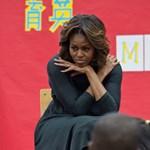 Magassarkút viselő majomhoz hasonlították Michelle Obamát