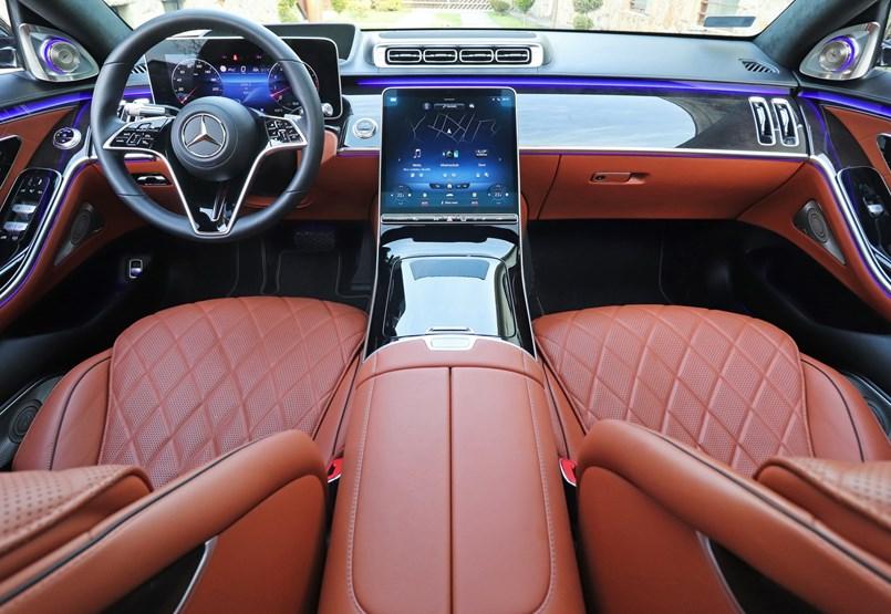 Osztályfőnök: teszten a teljesen új Mercedes S500 4Matic Lang