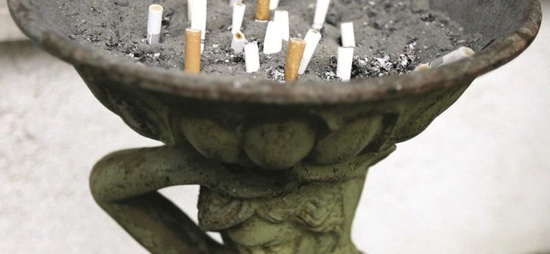 1,4 billió dollárba kerül a világnak a dohányzás