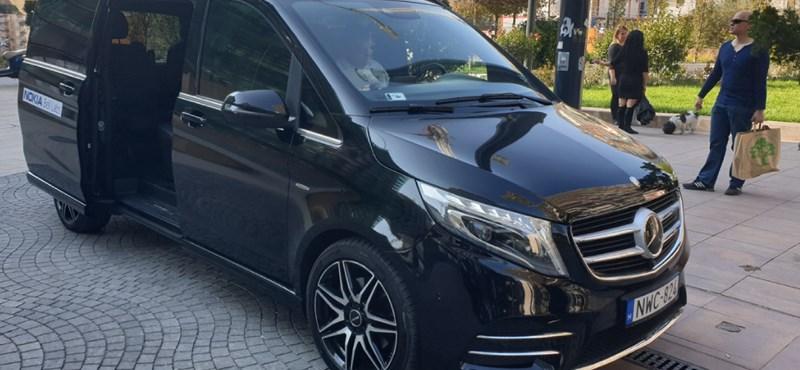Kátyúkat érzékelő és azokat maguktól bejelentő autókat próbáltunk Budapesten