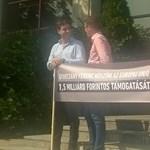 Meghekkelte a Fidelitas az európai szocialisták kongresszusát