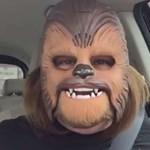Egyetemi ösztöndíjat kapott a Chewbacca-maszkos anyuka