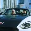 A Budapestre érkező Sting és Shaggy egy izgalmas kis olasz sportautóban