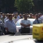 Roncstemető az 56-osok terén - galériánk a taxistüntetésről