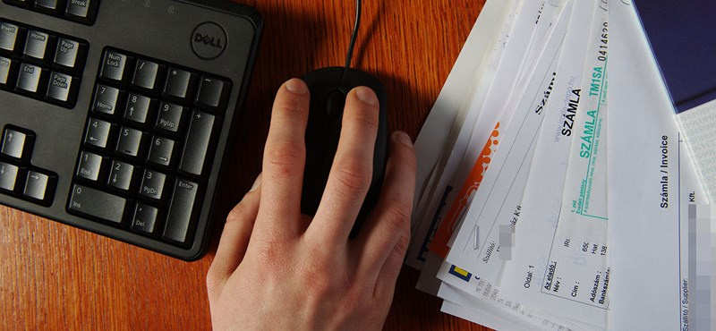 A magánszemélyek sem ússzák meg az adózást papírmunka nélkül