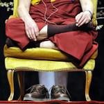 Egészségi állapota miatt nem tudta átvenni díját a dalai láma