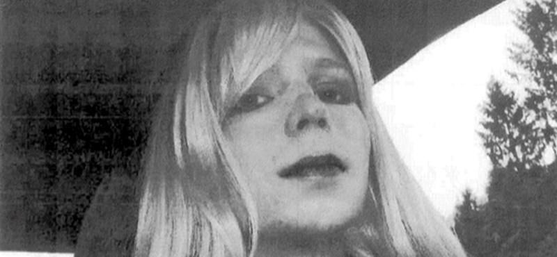 A Wikipedia már nőként tekint Manningre