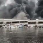 Több mint 100 Mercedes lángolt egy hatalmas parkolótűzben – videó