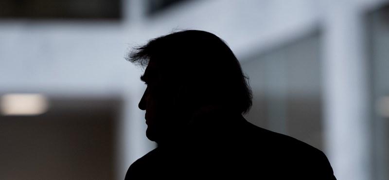 """A történelem során először """"hazugság"""" jelzés került Donald Trump bejegyzése mellé a Twitteren"""