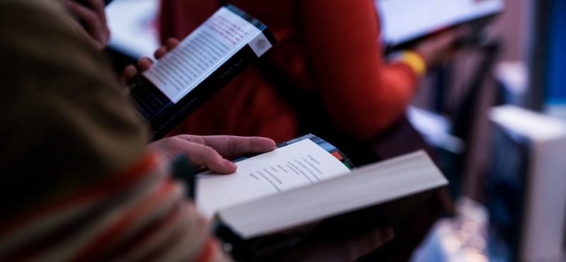 Nem voltak a Könyvhéthez hasonló bonyodalmak, rekordot döntött a Könyvfesztivál