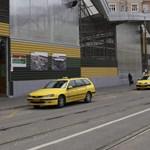 Varga Mihály megnézné, hogyan fizetnek adót a taxisok