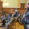 Kilenc TEK-es a tárgyalóteremben: extrém biztonsági intézkedésekkel indul Hasszán F. pere - élő
