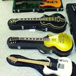 Elloptak egy méregdrága gitárgyűjteményt Nógrádban, a tulajdonosnak akarták eladni az egyiket