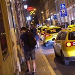 Még mindig komoly bajok vannak a fővárosi taxisoknál