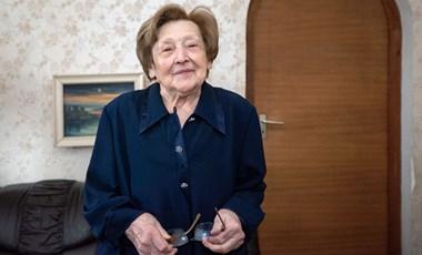 Újra magyar állampolgár lett a 101 éves magyartanárnő