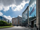 Különös cégügylettel vett 800 millióért irodákat a Fidesz Brüsszelben