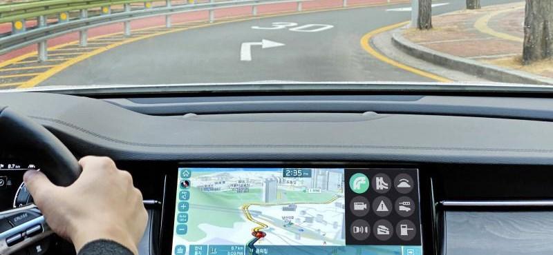 Okos sebességváltók jöhetnek, amik a forgalmat és a GPS-t is figyelik