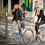 Így bringáztak a csajok az utolsó őszi napon Budapesten