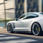 Minden villanyautót, a Teslát is legyorsulja az első elektromos Porsche