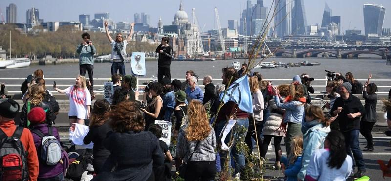 Új harcmodor miatt bénult meg London