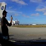 Videó: 5 km-re is remegtek az autók, amikor fellőtték a Falcon Heavyt