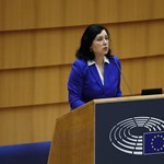 Vera Jourová: Igenis, beteg a magyar demokrácia