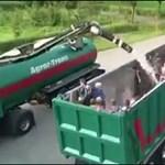 Bemásznak egy kamionba, de aztán váratlan dolog történik
