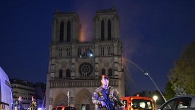 Három autós cég is adományoz a Notre-Dame javára