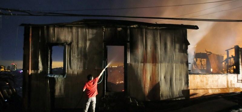 Chilei tűzvész: porrá égett több lakónegyed, még oltanak - fotók