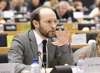 Tavares a Fidesz néppárti felfüggesztéséről: Szégyen, amit Weber tett