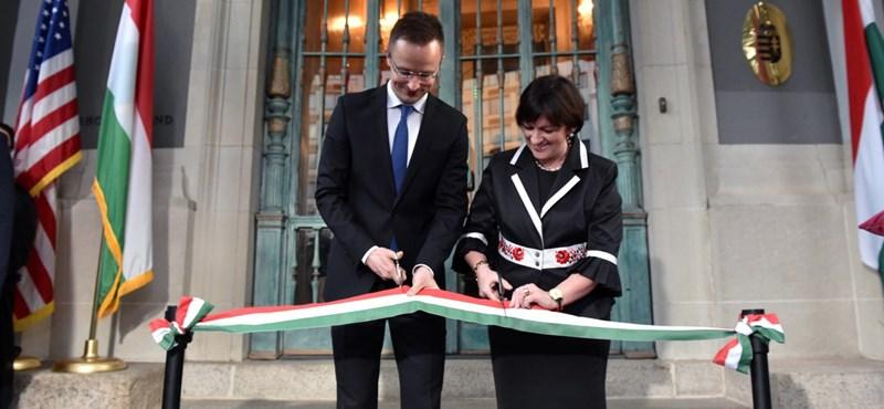 Szijjártó is elment, levél is volt, de Washington csak nem lelkesedik Orbánért