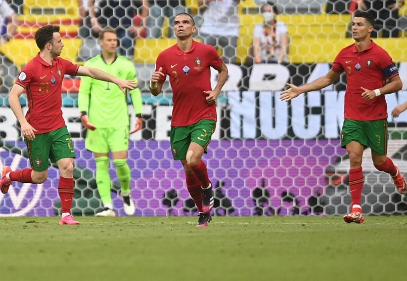 Potyognak a gólok a Portugália-Németország meccsen (2-4) – a labdarúgó Eb kilencedik napja percről percre