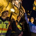 Rendőr jelent meg késő este a CEU-ért tüntető külföldi lány lakásán