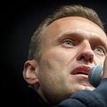 Navalnij egyre jobban van, már képes felkelni