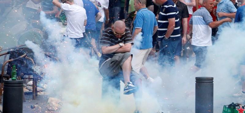 Videó: A stadionban lőtték jelzőrakétával az oroszok az angolokat