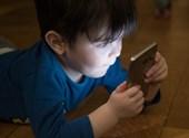 Valami nagyon nem jó dolog történik a gyerek agyával, ha túl sokat ül a képernyő előtt