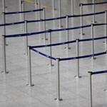 Káosz van a repülőtereken, összeomlott az egyik legfontosabb szoftver