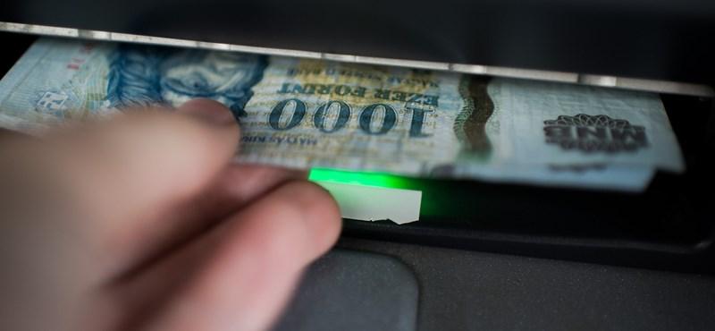 Tudja, mennyit fizetnek a neten az ön ellopott bankkártyájáért?